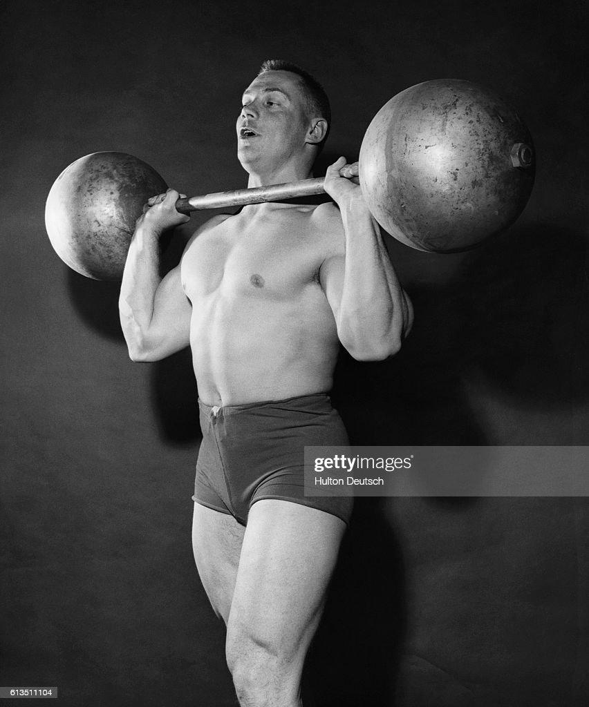 Weightlifter : News Photo