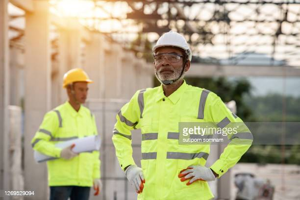 supervisor engineering in the uniform - 578105427 stock pictures, royalty-free photos & images