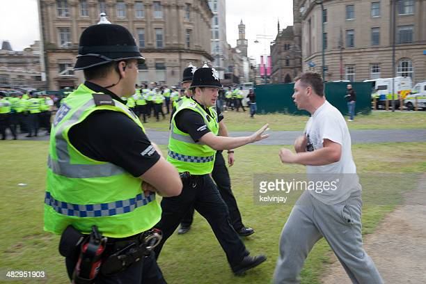 EDL supporter confronts policemen