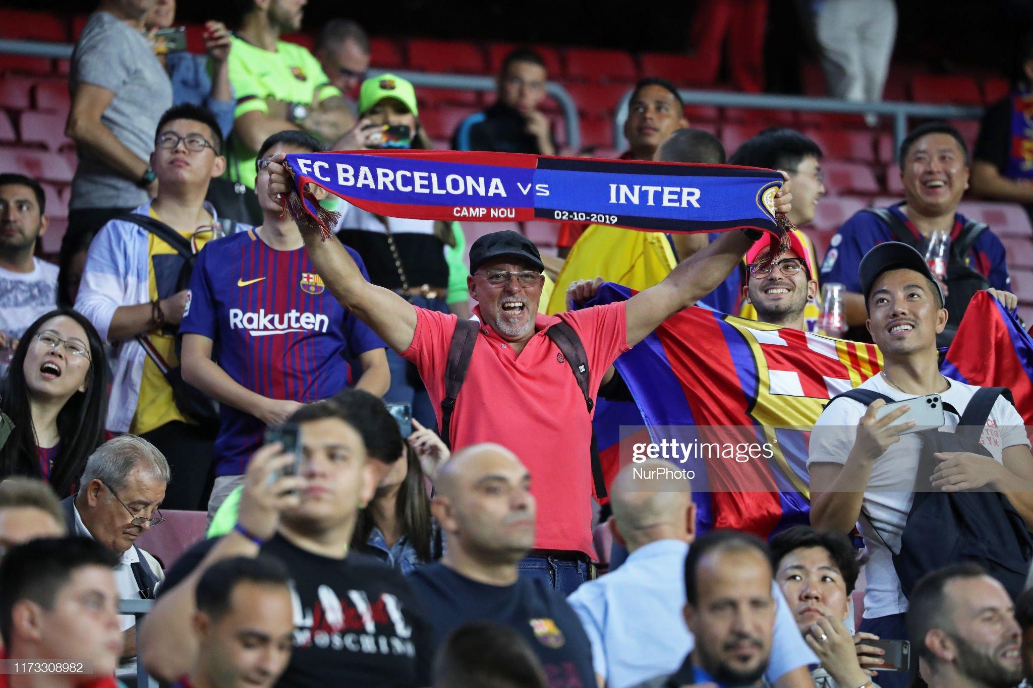 صور مباراة : برشلونة - إنتر 2-1 ( 02-10-2019 )  Supporter-during-the-match-between-fc-barcelona-between-inter-to-the-picture-id1173308982?s=2048x2048