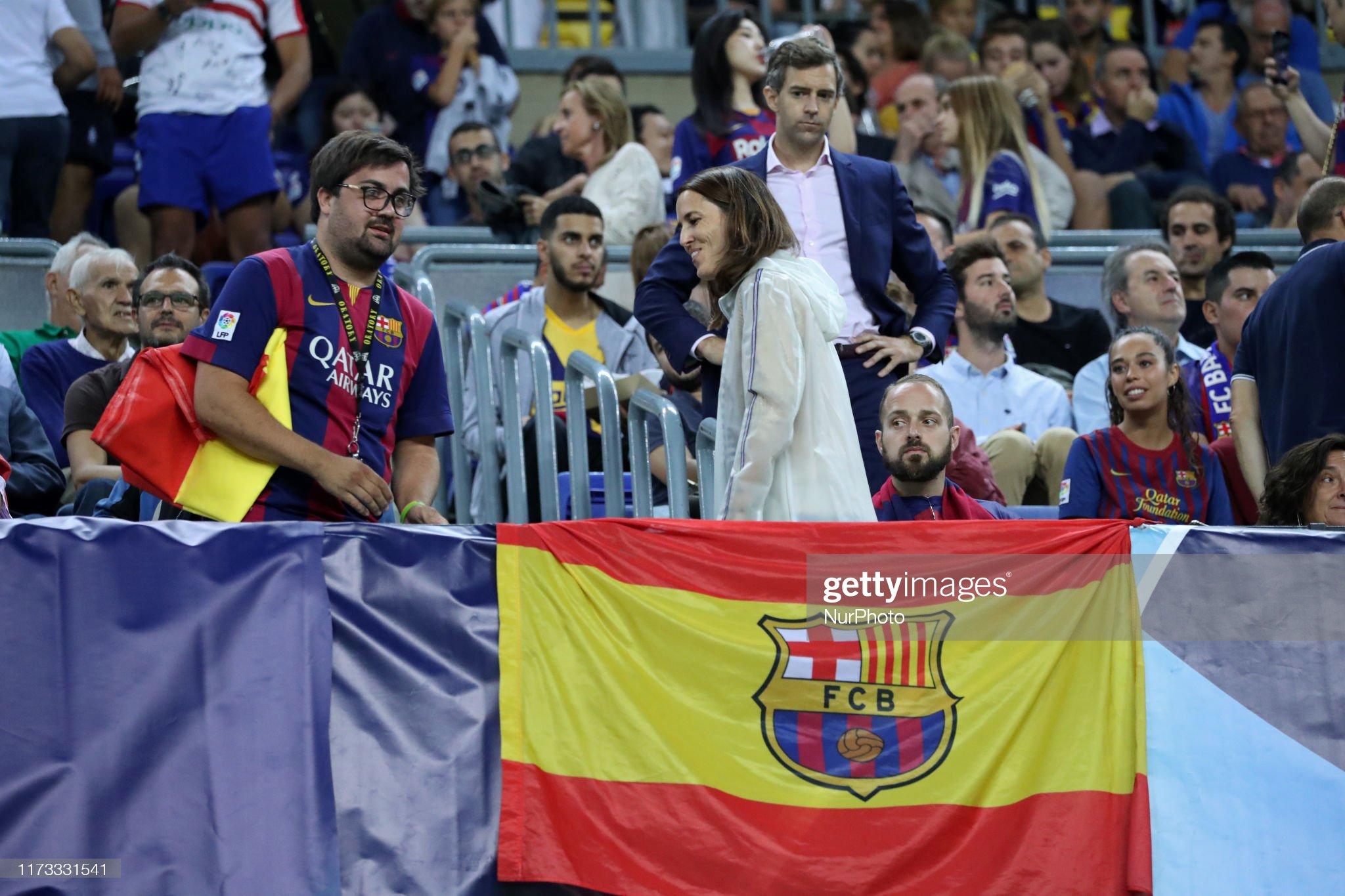 صور مباراة : برشلونة - إنتر 2-1 ( 02-10-2019 )  Supporter-during-the-match-between-fc-barcelona-between-inter-to-the-picture-id1173331541?s=2048x2048