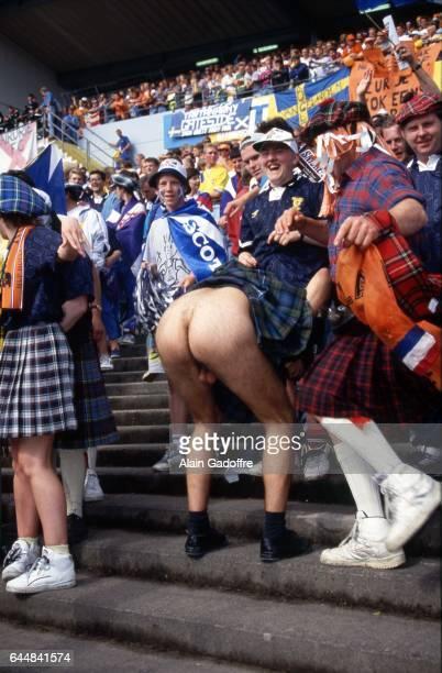 Supporter Ecosse montrant ses fesses Pays Bas / Ecosse Euro 1992 Photo Alain Gadoffre / Icon Sport