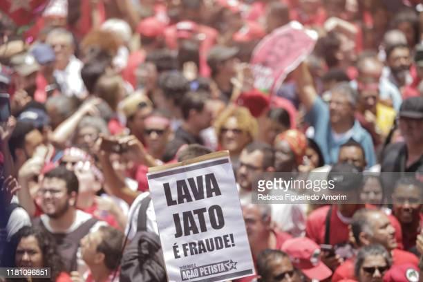 A supporter of Luiz Inacio Lula da Silva Brazil's former president holds a sign at the Sindicato dos Metalurgicos do ABC on November 9 2019 in Sao...