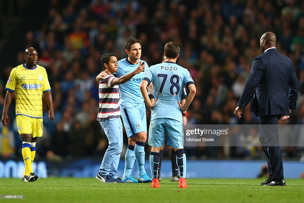 Manchester City v Sheffield Wednesday - Capital One Cup Third Round : News Photo