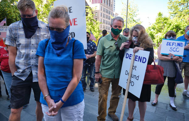 WA: Protesters Counter Rally Held To Support Seattle Police Department