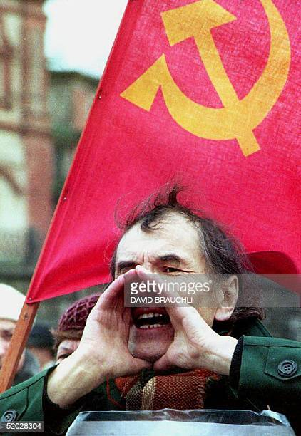 A supporter of the former communist regime shouts at passing deputies 14 April 1992 as they walk to the Sixth Russian Congress of People's Deputies