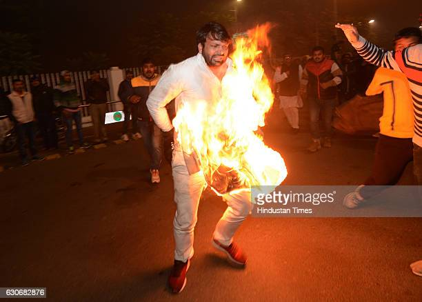 Supporter of Uttar Pradesh Chief Minister Akhilesh Yadav commits selfimmolation outside CM official residence after he was expelled from Samajwadi...