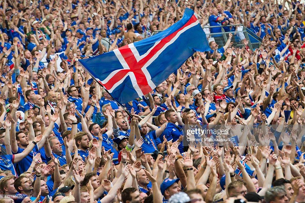 UEFA Euro 2016 : Fans At the Marseille Stadium : News Photo
