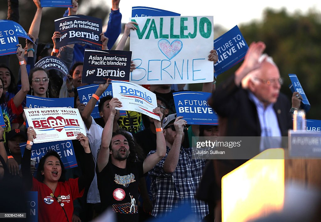 Democratic Presidential Candidate Bernie Sanders Holds Campaign Rally In Bay Area : News Photo