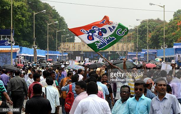 TMC supporters during the oath taking ceremony of West Bengal Chief Minister Mamata Banerjee on May 27 2016 in Kolkata India The presence of...