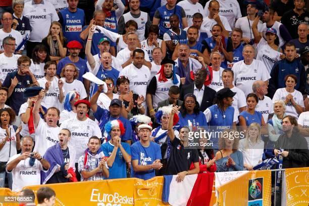 Supporters France - Yannick NOAH / Yelena NOAH / Marie Claire NOAH - - France / Russie - 1/2 Finale Championnat d'Europe -Kaunas,