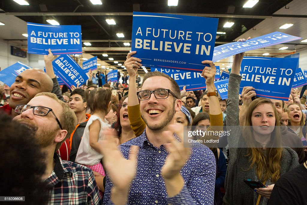 Democratic Presidential Candidate Bernie Sanders Campaigns In Illinois : News Photo
