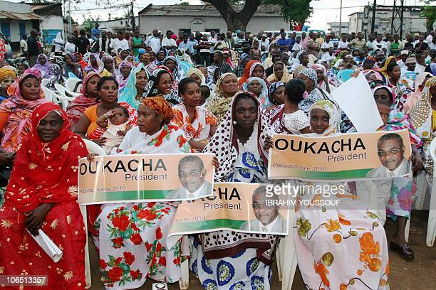 Supporters of a Comoros Presidential candidate congregate during a rally in Moheli on November 2 2010 The governors of the archipelago's three...