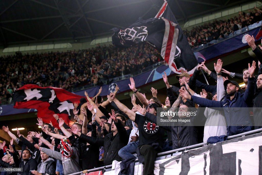 Ajax v Benfica - UEFA Champions League : Fotografia de notícias