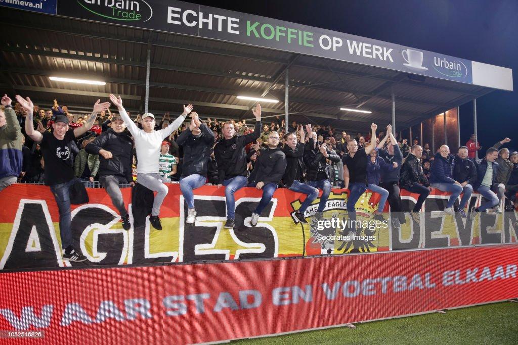 Keuken Kampioen Almere : Supporters of almere city during the dutch keuken kampioen divisie