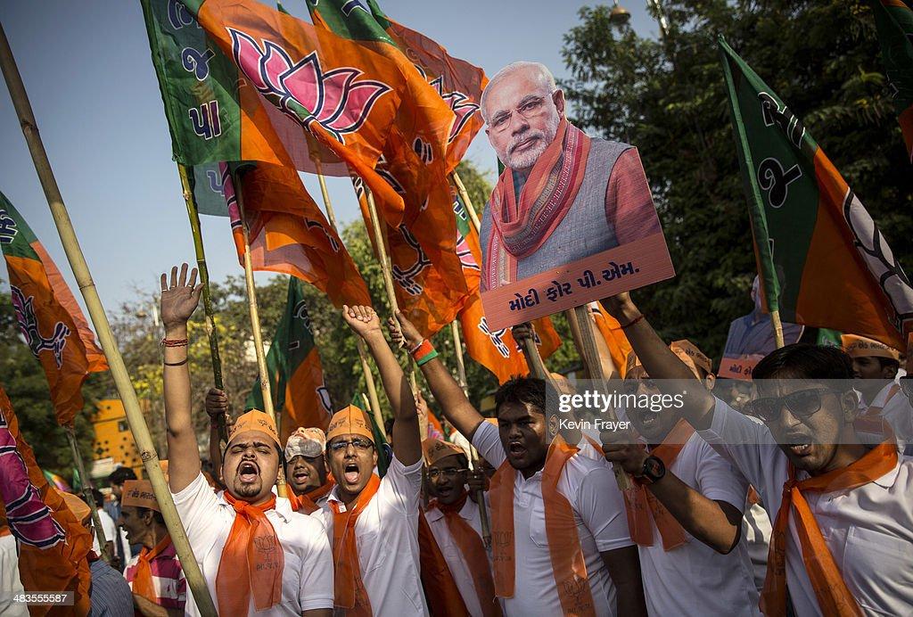 BJP Leader Narendra Modi Campaigns In Gujarat : News Photo