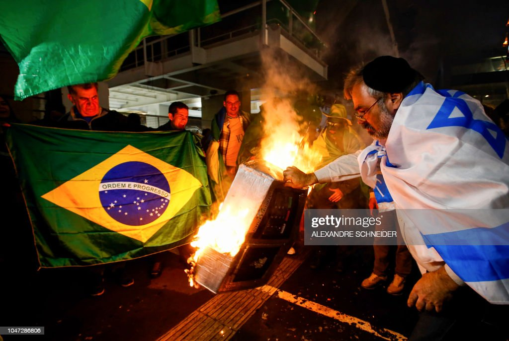 BRAZIL-ELECTION-BOLSONARO-SUPPORTERS : News Photo