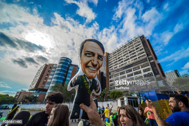 Supporters of Brazilian rightwing presidential candidate Jair Bolsonaro gather on September 16 2018 in front of the Israelita Albert Einstein...