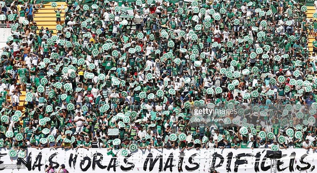 Charity match between Chapecoense and Palmeiras in Brazil : News Photo