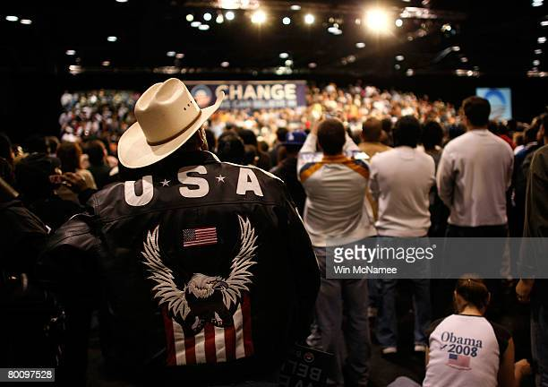 Supporters of Democratic presidential candidate Sen Barack Obama of Illinois listen as he speaks at a rally on the eve of the Texas prresidential...