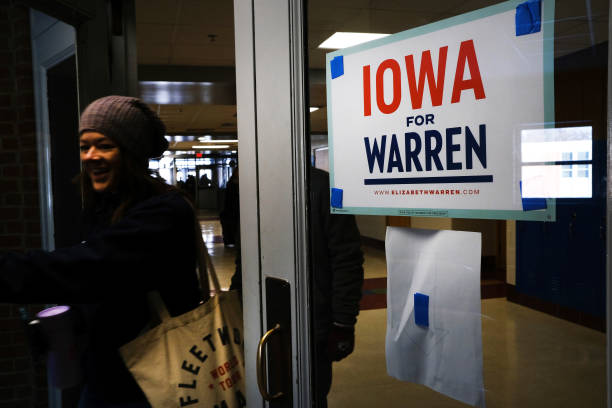 IA: Presidential Candidate Elizabeth Warren Holds Town Hall In Des Moines