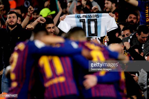 supporters of FC Barcelona celebrates 10 of Lionel Messi of FC Barcelona during the Spanish Copa del Rey match between FC Barcelona v Levante at the...