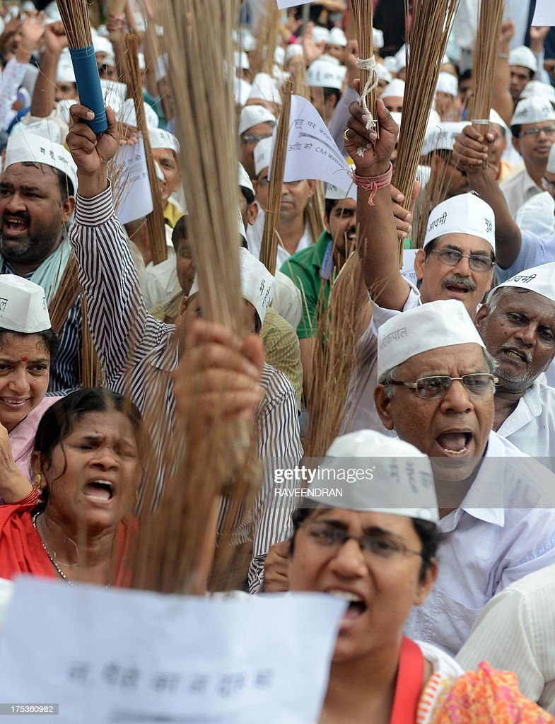 Supporters Of Indias New Party Stand Against Corruption Aam Aadmi