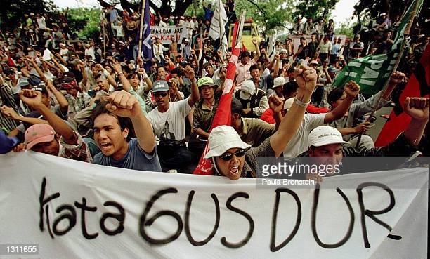 Supporters of Indonesian President Abdurrahman Wahid Gus Dur demonstrate in front of the Presidential Palace June 1 2001 in Ciganjur South Jakarta...