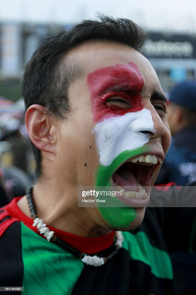 Supporters of Mexico prior a match between Mexico and Panama as part of the CONCACAF Qualifyers at Azteca stadium on October 11, 2013 in Mexico City, Mexico.