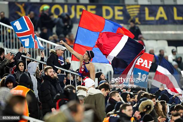 Supporters of Paris during the Semi Final League Cup match between Bordeaux and Paris Saint Germain at Stade Matmut Atlantique on January 24 2017 in...