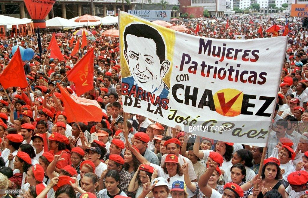 VENEZUELA-ELECTIONS-CHAVEZ-04 : News Photo