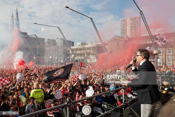 Supporters of PSV and Guus Meeuwis celebrates the championship at Stadhuisplein Eindhoven during the PSV Championship celebration at the City hall on...