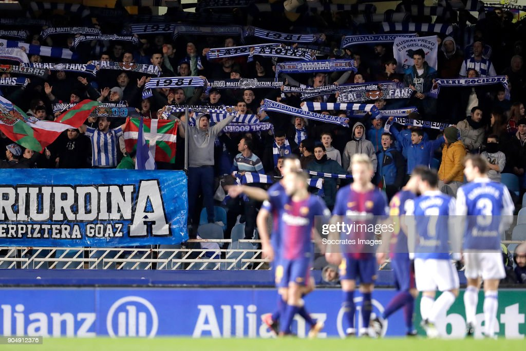 https://media.gettyimages.com/photos/supporters-of-real-sociedad-during-the-la-liga-santander-match-real-picture-id904912376?k=6&m=904912376&s=594x594&w=0&h=Hoelp5cdbaHEyEDqyF3Mnl_UzLZK4cNjyulfknRMYrc=