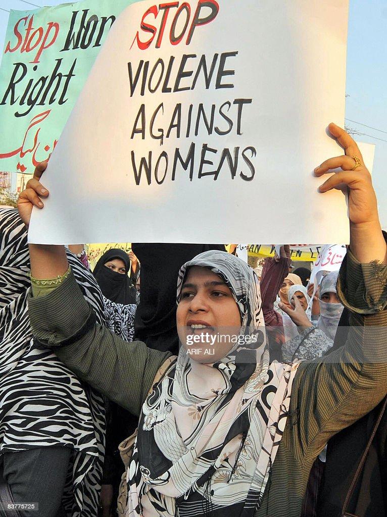Supporters of Tehrik-e-Minhaj ul Quran, : News Photo