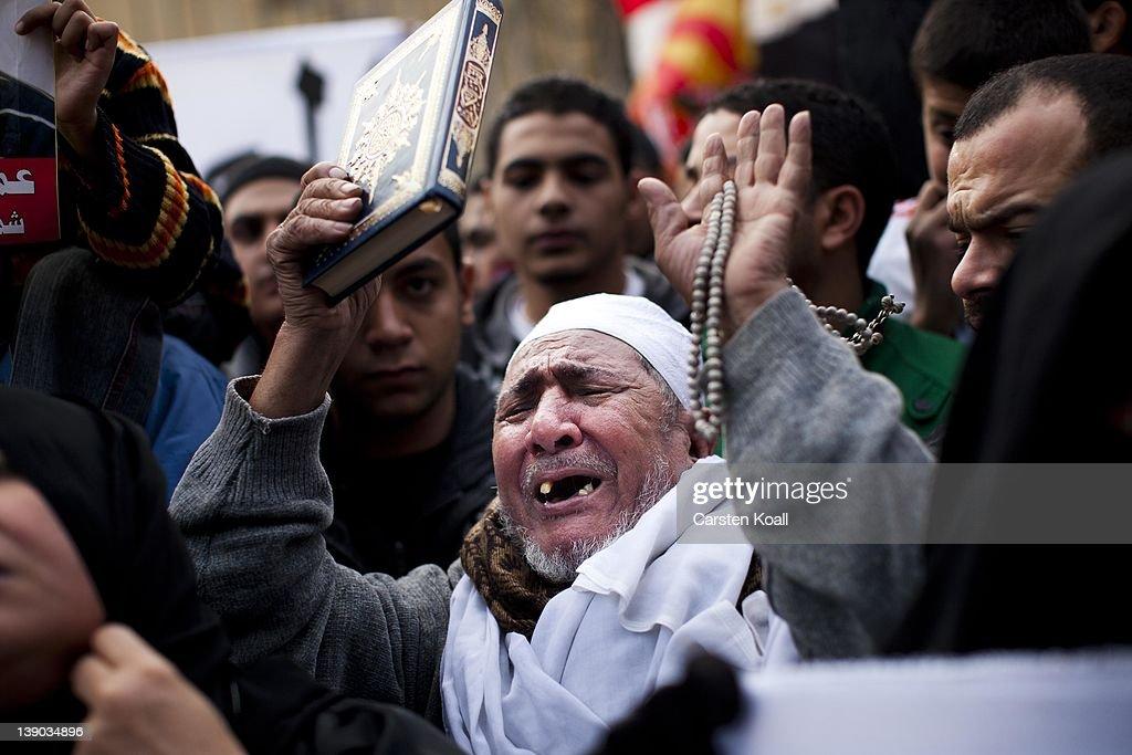 Protesters In Cairo Commemorate Fottball Stadium Victims : News Photo