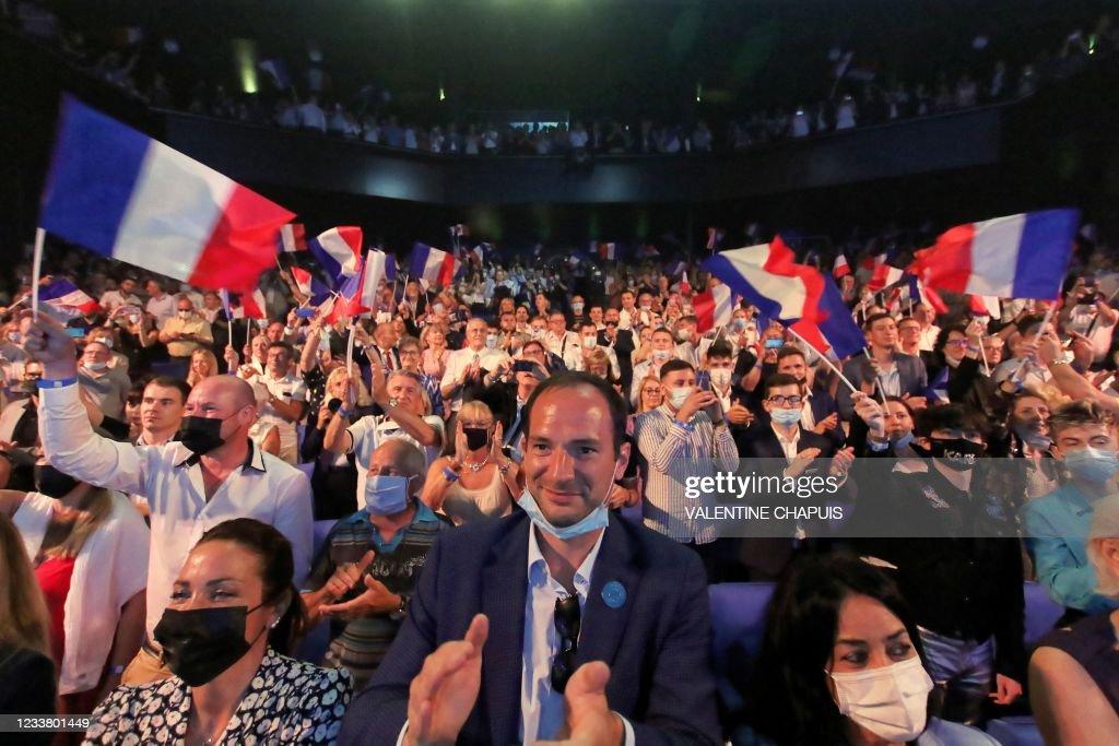 FRANCE-POLITICS-RN-FARRIGHT-LEPEN : Nieuwsfoto's