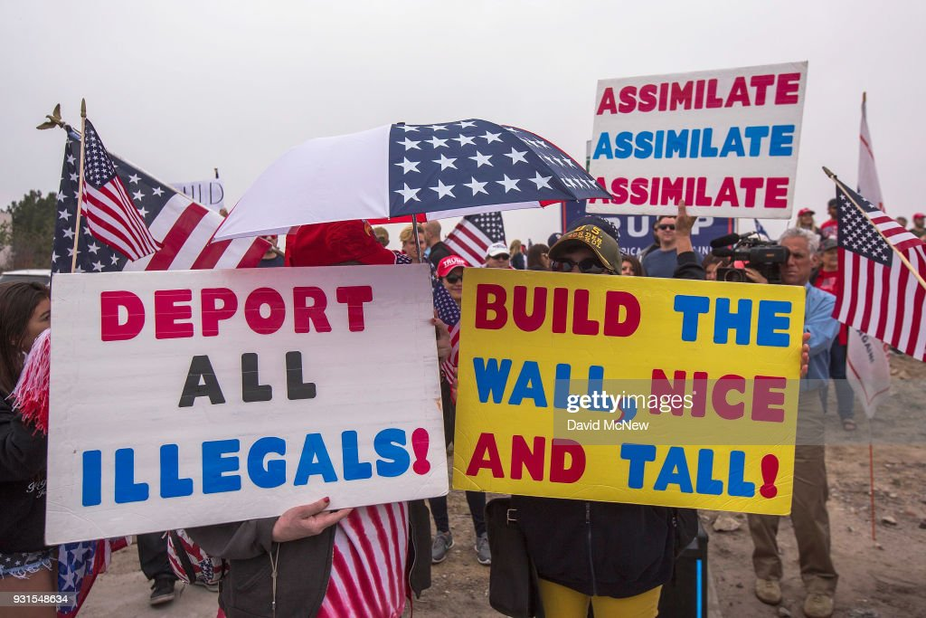 Pro-Trump Activists Hold Rally On Border Supporting President And His Immigration Policies : News Photo