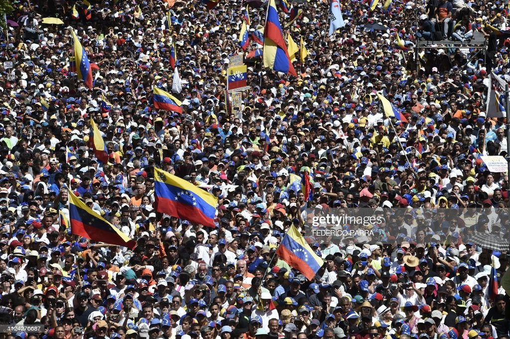 VENEZUELA-CRISIS-OPPOSITION-GUAIDO-SUPPORTERS : News Photo