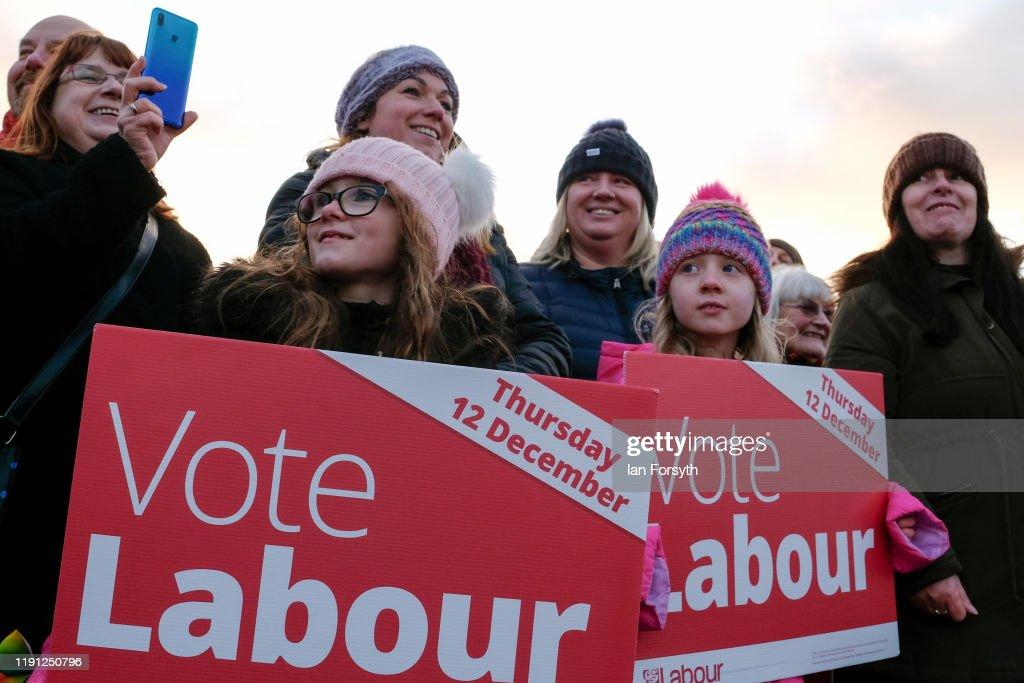 Corbyn Campaigns In Whitby : Foto jornalística