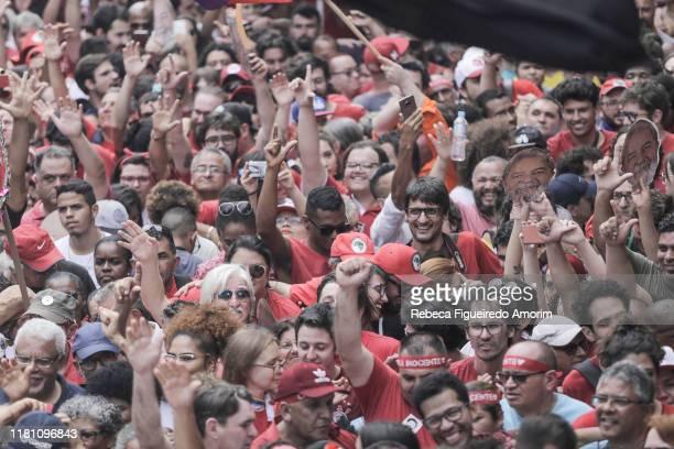 Supporters wait for Luiz Inacio Lula da Silva Brazil's former president before his official speech at the Sindicato dos Metalurgicos do ABC on...