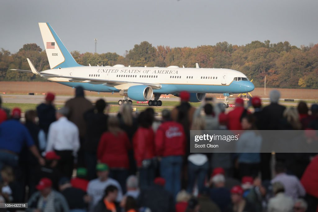 Donald Trump Holds MAGA Campaign Rally In Southern Illinois Ahead Of Midterm Elections : News Photo