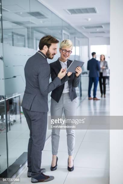 , die ihr Brainstorming mit Technologie