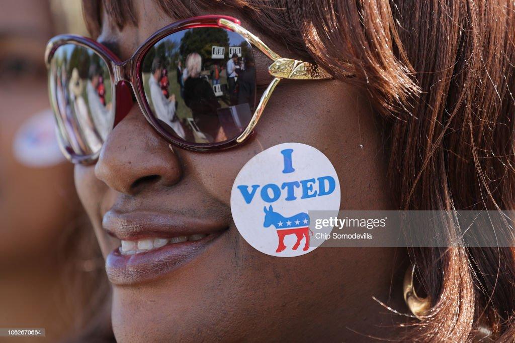 Polls Tighten In Texas Senate Race Between Beto O'Rourke And Ted Cruz : News Photo