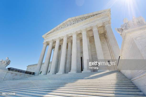 u.s. supreme court building in washington dc usa - politics and government imagens e fotografias de stock