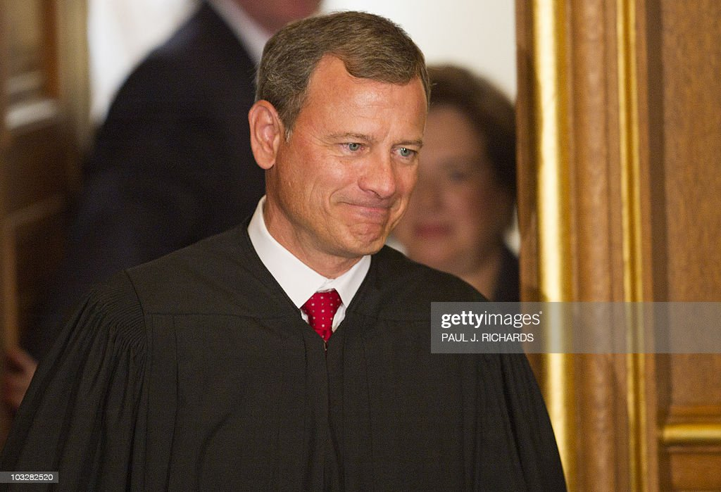 US Supreme Court Chief Justice John Robe : News Photo
