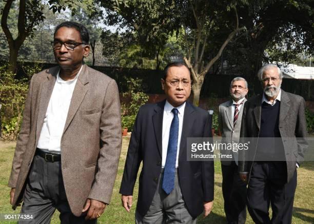 Supreme Court Judges J Chelameswar Ranjan Gogoi Kurian Joseph and Madan Lokur addressing the media on January 12 2018 in New Delhi India Four Supreme...
