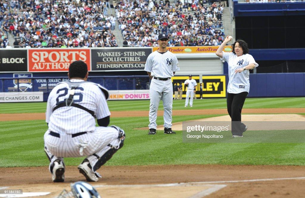 Celebrity Sightings At Yankee Stadium - September 26, 2009