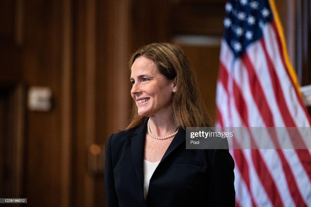 Supreme Court Justice Nominee Amy Coney Barrett Meets With Senators Ahead Of Confirmation Vote : ニュース写真