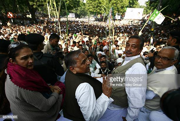 Supreme Mulayam Singh Yadav during a protest by UP sugarcane farmers against price rise at the Jantar Mantar in New Delhi on Thursday, November 19,...