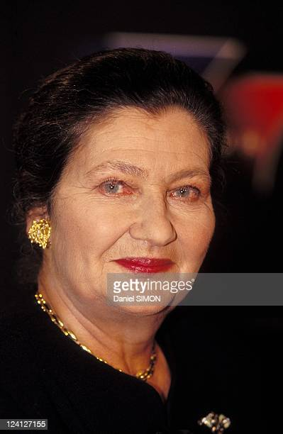 7 sur 7 TV show with Simone Veil and Elisabeth Guigou In Paris France in March 1997